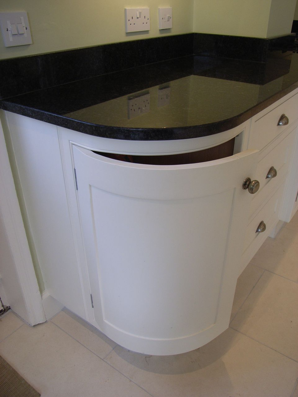 round kitchen corner unit