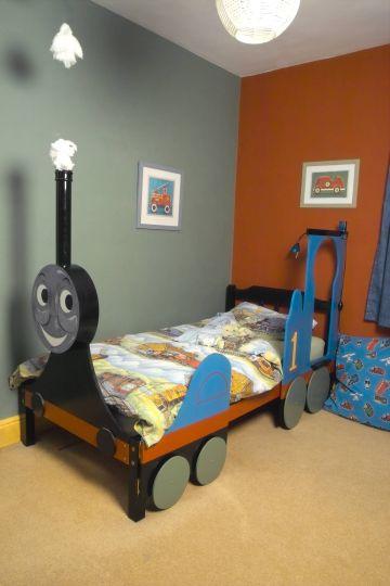 child's train bed