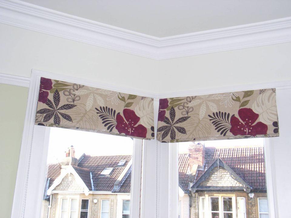 flowery roman blinds in bay