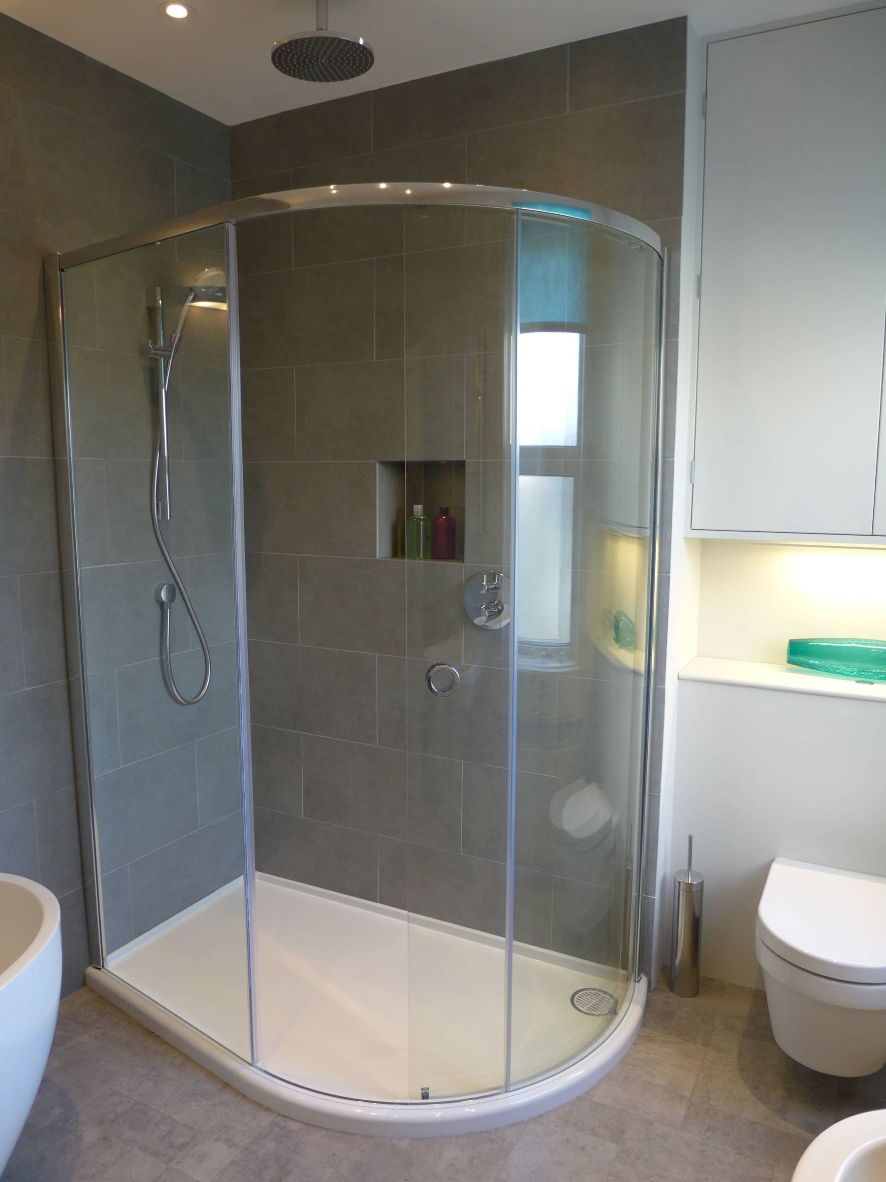 large offset quadrant shower enclosure