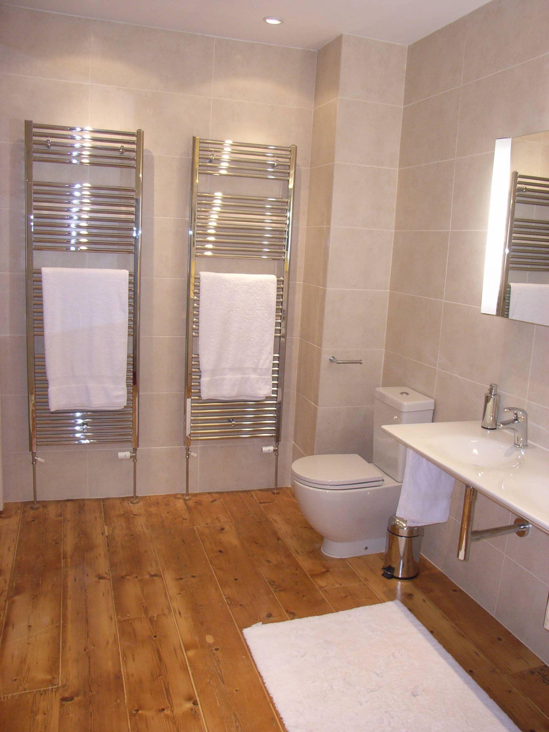 Large Towel Warmers ~ Bathrooms and en suites