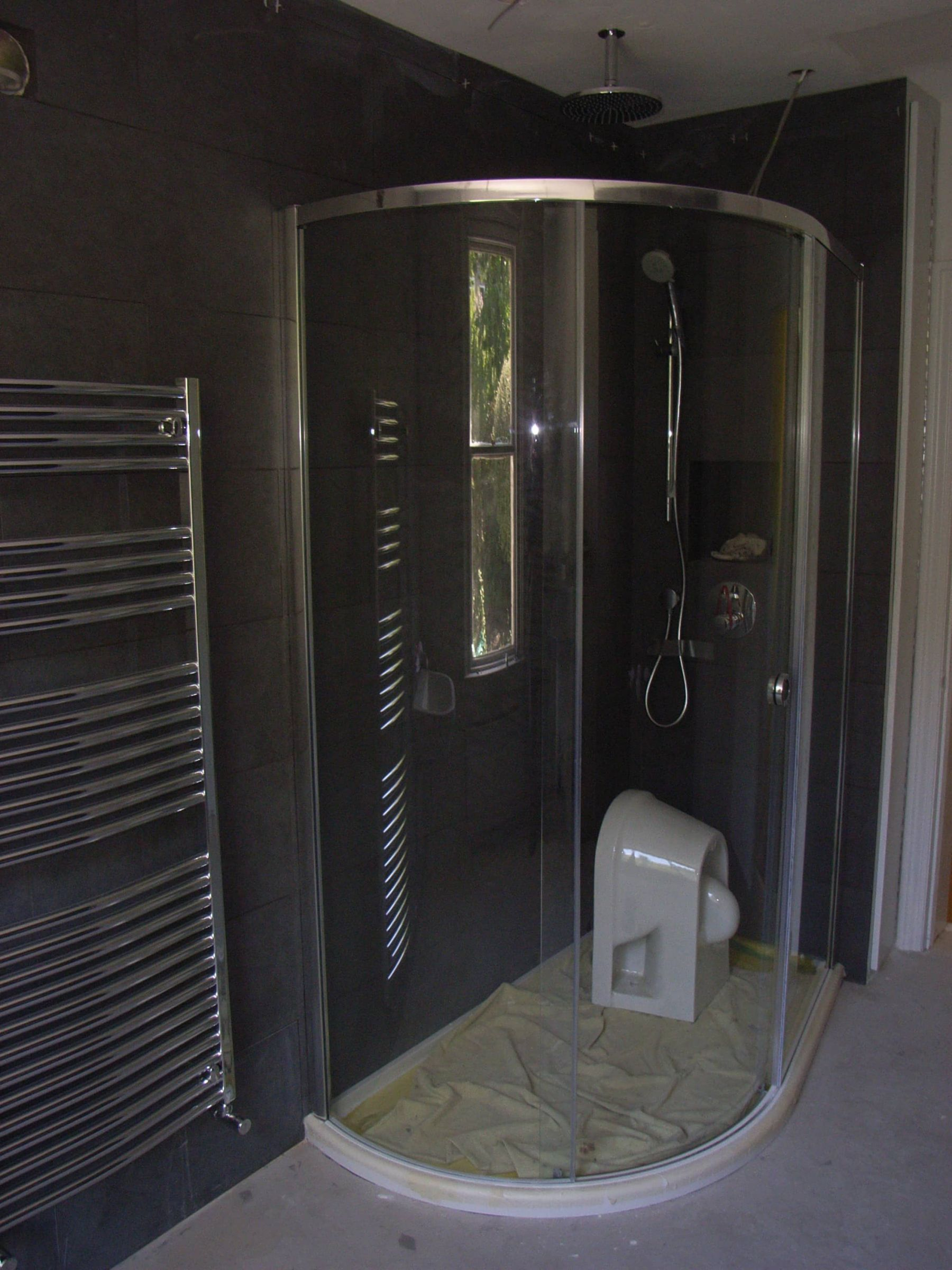 shower cubicle installed