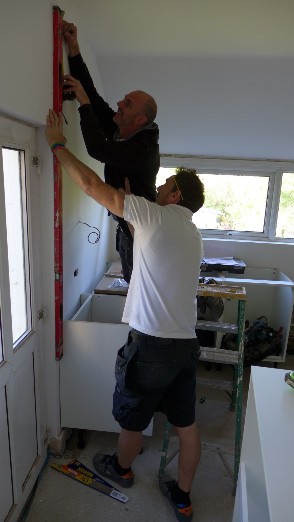 kitchen fitters levelling up