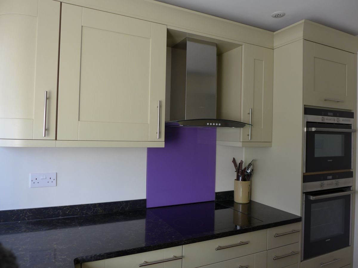 Flat refurbishment burnham on sea style within for Small fitted kitchens