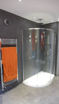 shower with concealed fittings
